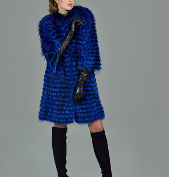 Вязаное пальто из чернобурки
