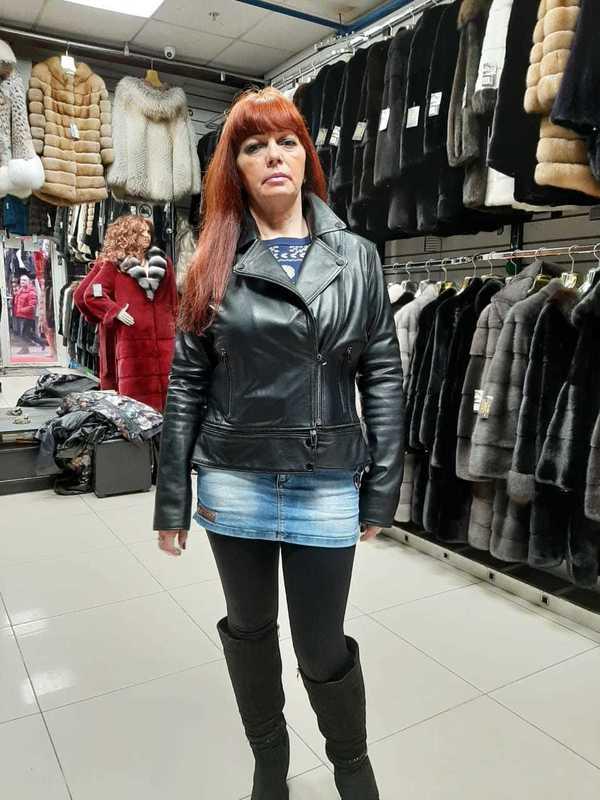 Коротка кожаная куртка